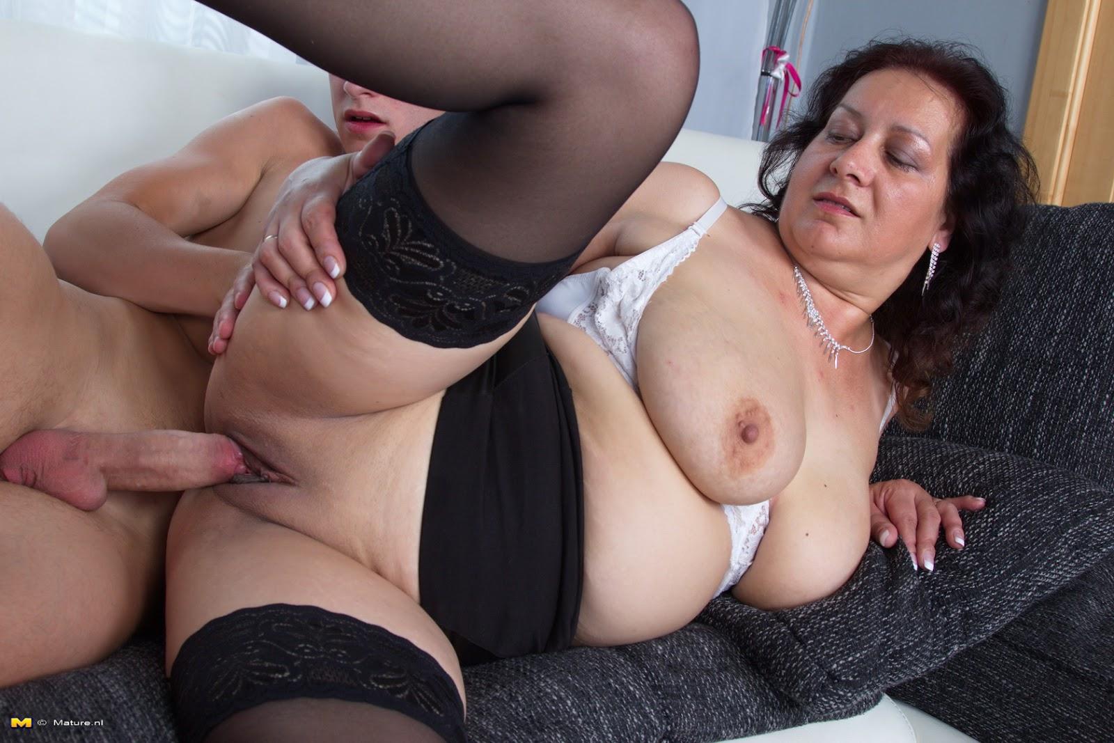 Mature fatty seduced porn videos online Man