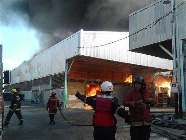Se incendian tres galpones en San Diego - Carabobo