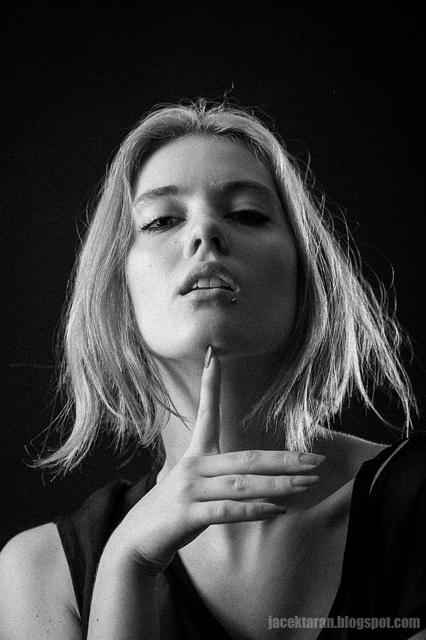 sesja, moda, jacek taran, fotograf krakow, studio fotograficzne, modelka, fotografia mody krakow