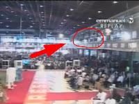 Aku Mencintaimu Pendeta! Video Pemuda Loncat dari Balkon Gereja Saat Ibadah Berlangsung