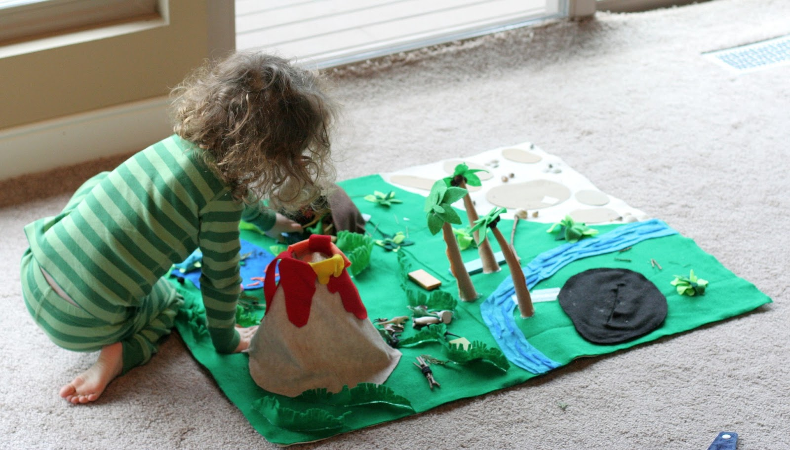 No Sew Dinosaur World Playmat