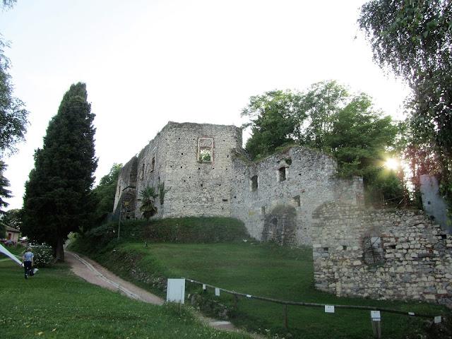 Mura Castello di Arona