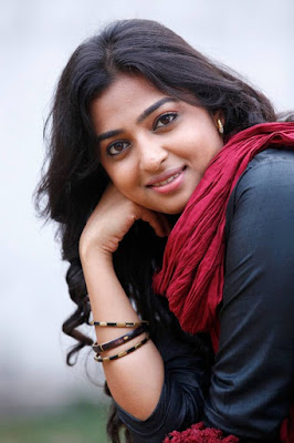 radhika-apte-celebrates-birthday-with-work