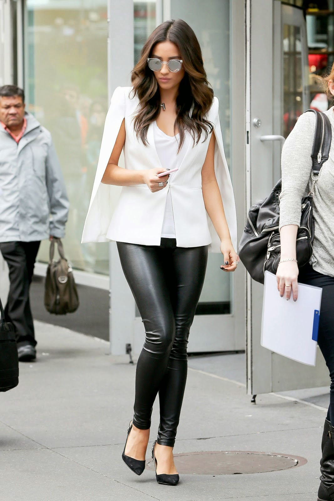 white-cape-leather-pants-outfit-street-style