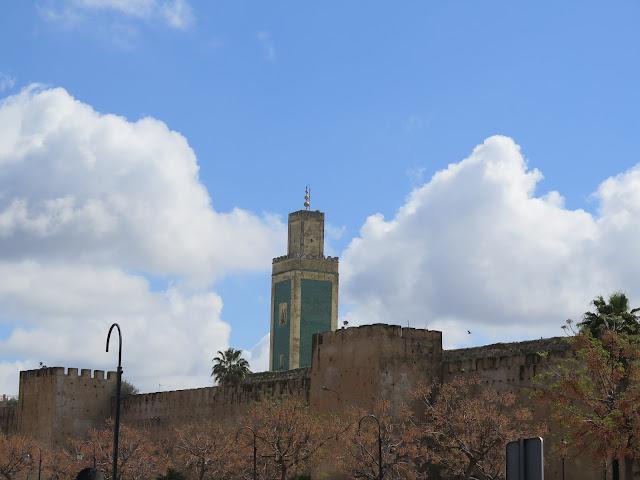 Minarete y murallas de Meknes