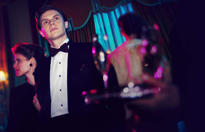 Pose Series Evan Peters Image 2