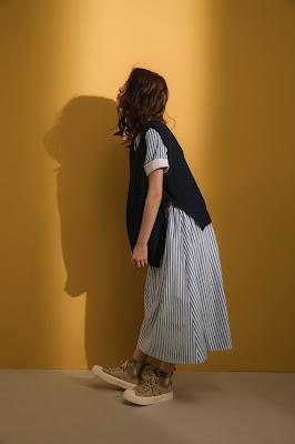 大人的科學V領反折袖洋裝-藍白條紋