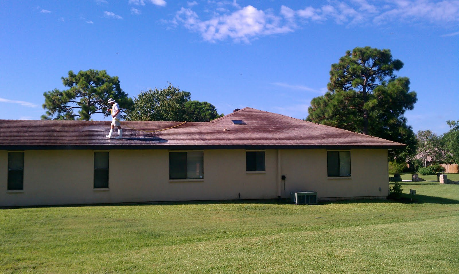 Beacon Roof Amp Exterior Cleaning Shingle Roof Cleaning