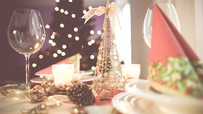 Wallpaper: Table for Christmas Celebration