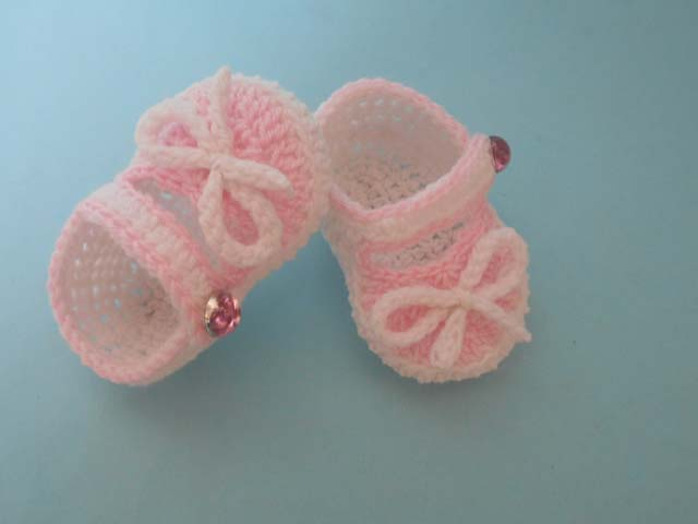 49141135415b89 ... These pair gorgeous and prettiest baby small cute booties made to  protect your baby to the  Baby Crochet Flip Flops ...