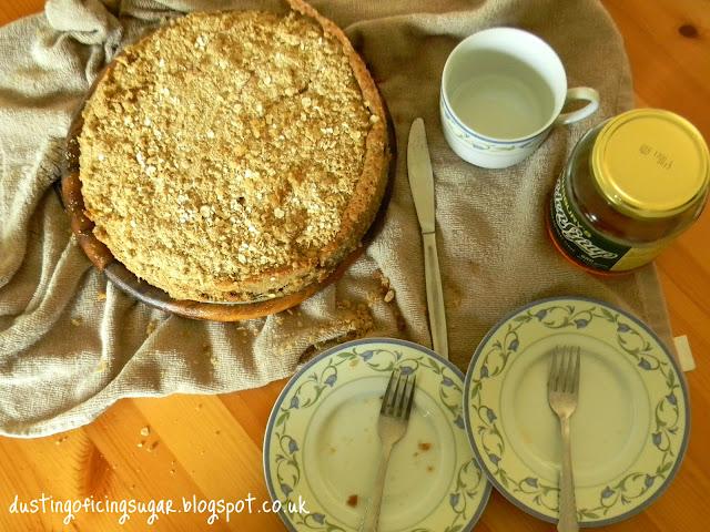 Apple Crumble Cake - dustingoficingsugar.blogspot.co.uk