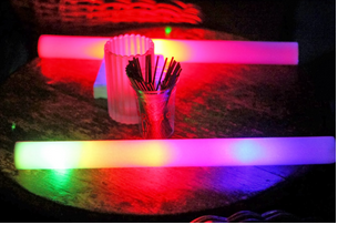 https://nightclubsuppliesusa.com/led-foam-sticks/