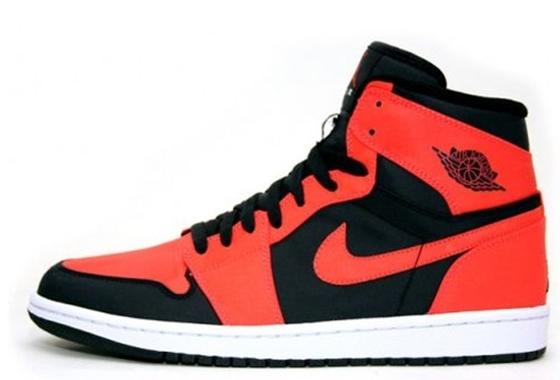 10 Sepatu Basket Termahal  caafba553a