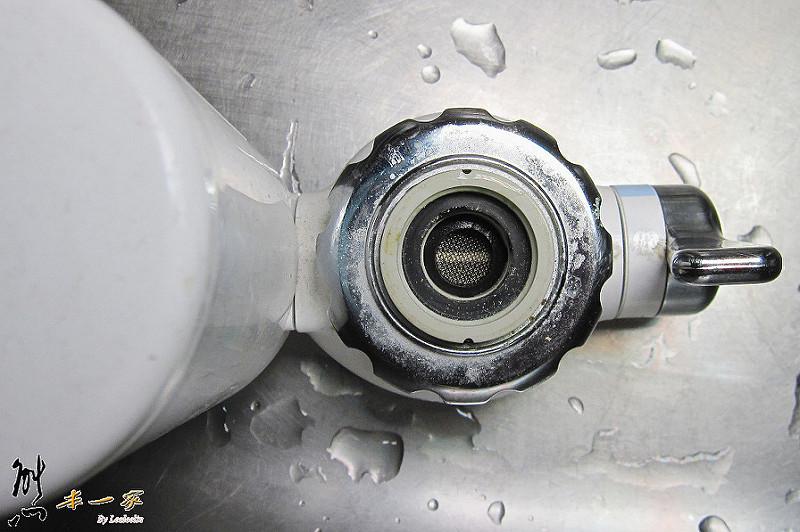 廚房濾水BRITA ON TAP龍頭式濾水器安裝DIY|PHILIPS飛利浦水龍頭型淨水器