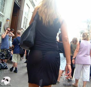 sexy rubia vestido transparente calle