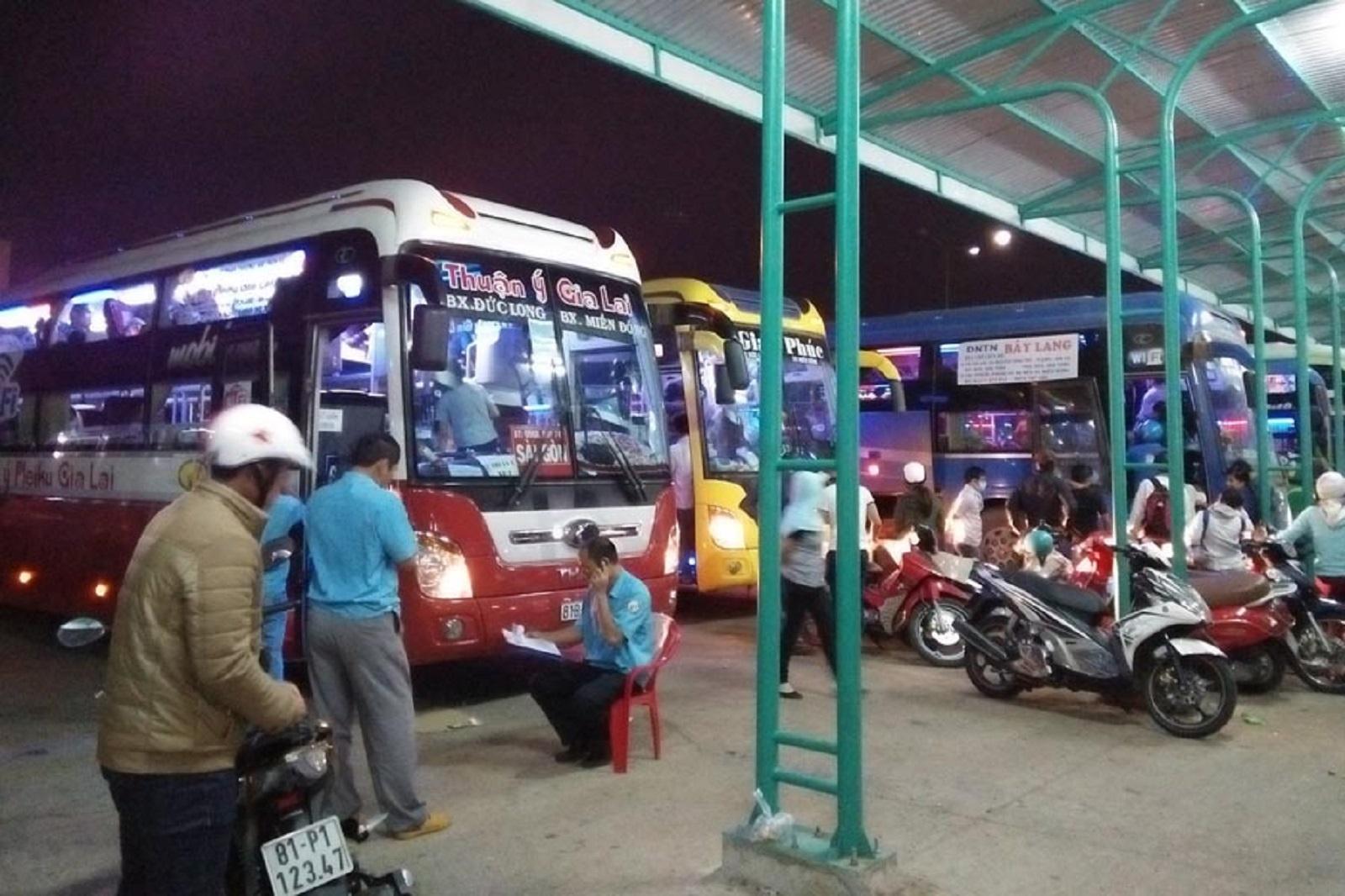 """Gia Lai: """"Cháy vé"""" tuyến TP. Pleiku - TP. Hồ Chí Minh"""