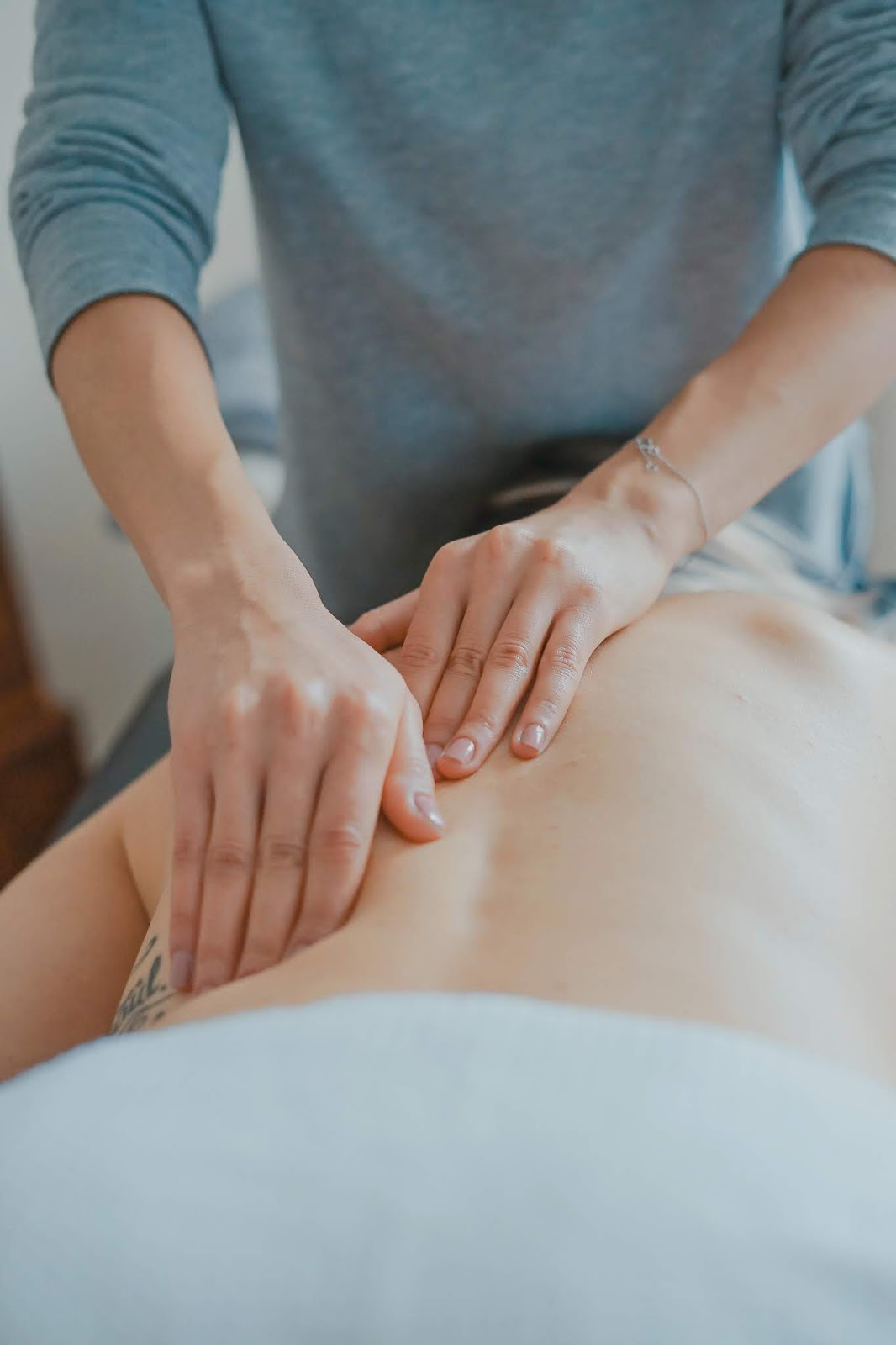 Relaxing Swedish Massage Therapy, Aromatherapy, and Prenatal Massage for Dallas, Plano, and Richardson, Texas.