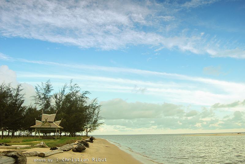 Pantai Tanjung Penghujan di Pangkalan bun