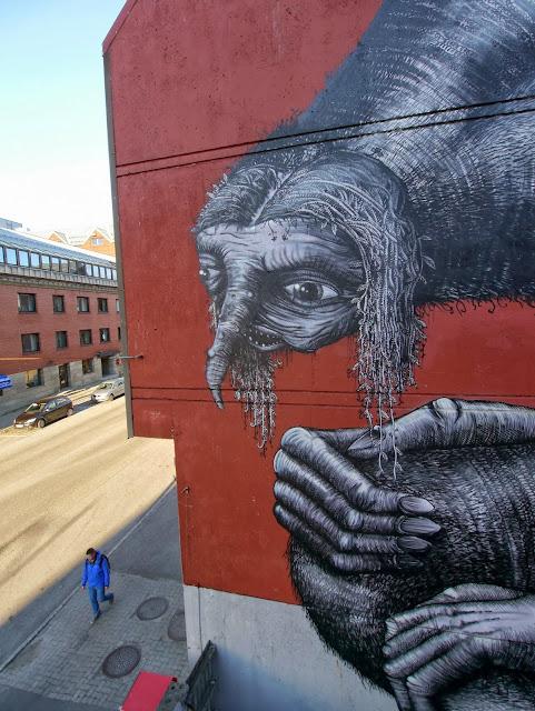 British Street Artist Phlegm Paints A New Urban Mural In Northern Norway. 6
