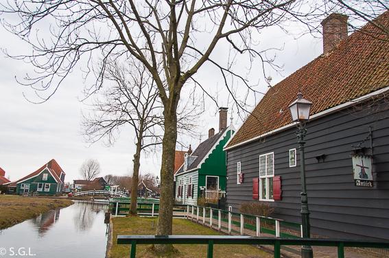 Volendam. Excursion desde Amsterdam: Volendam, Marken y los molinos
