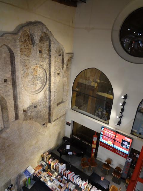 Interior de ambasciatori en Bolonia