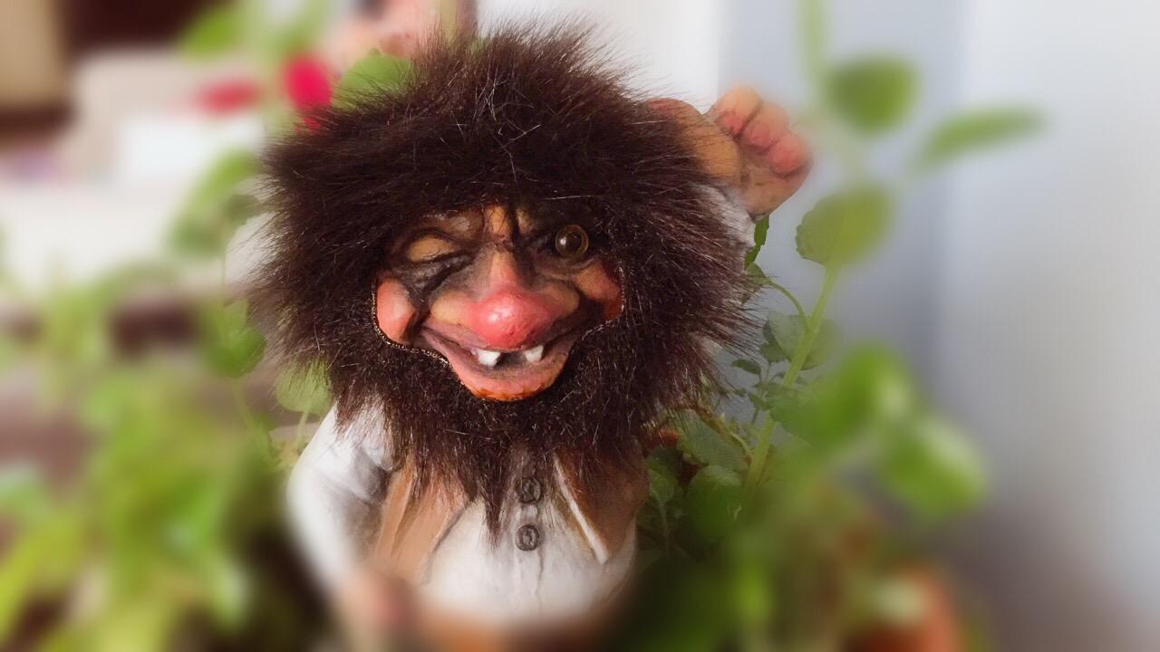 Como activar a un duende, elfo o troll