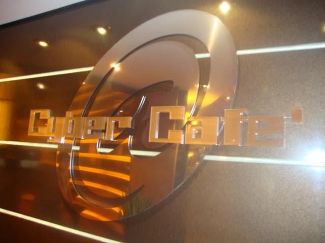 Cyber café do MSC Poesia