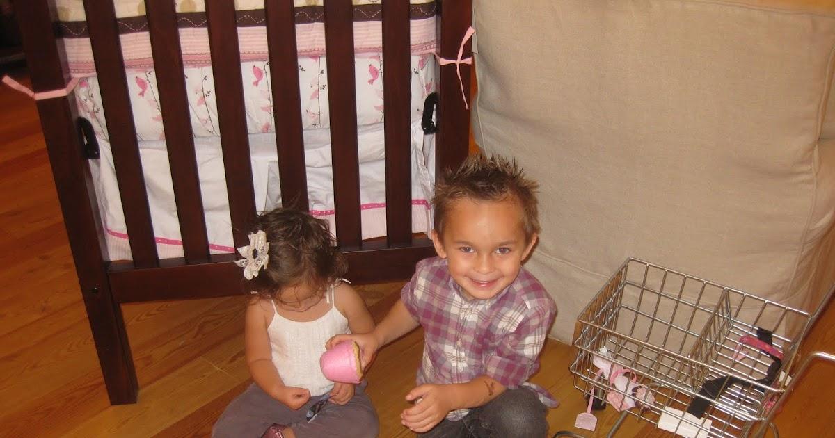 Seth Amp Juli Rocco And Zeegan Zippy Our Elf On The Shelf