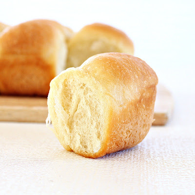 Butter dinner rolls