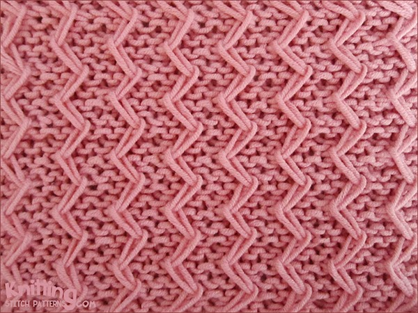 Zig Zag Fixed Loop Stitch in Garter Stitch