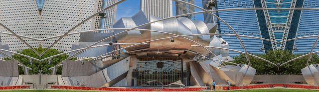 The Pritzter Music Pavilion, Chicago (Photo Music of the Baroque)