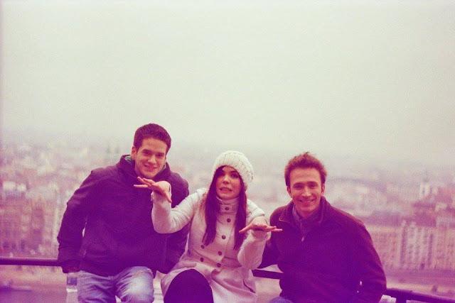 kamaráti, Budapešť, bipolárna porucha, hypománia