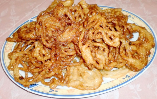 Mshabak (Sweet pastry)