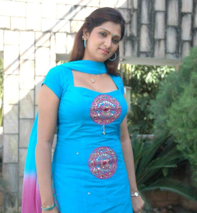 Desi girl with cute structure - 1 part 6