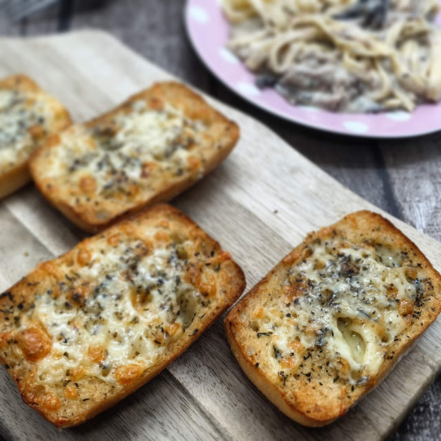 syn free cheesy garlic bread, gluten free garlic bread, slimming world garlic bread, schar ciabatta recipe