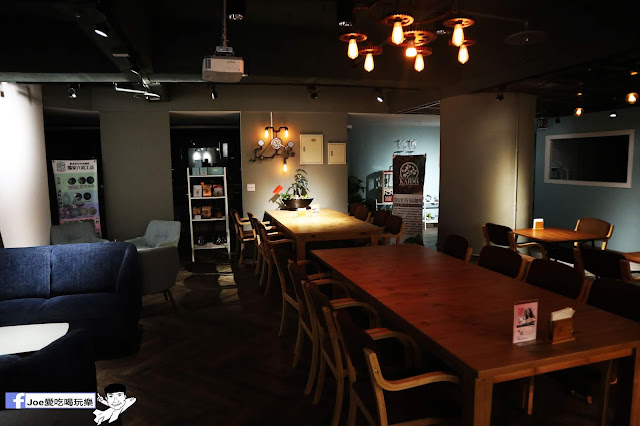 IMG 4681 - 熱血採訪│凱度高空咖啡館,隱藏在高樓大廈裡的夜景咖啡,百元有找,談生意、約會好地方
