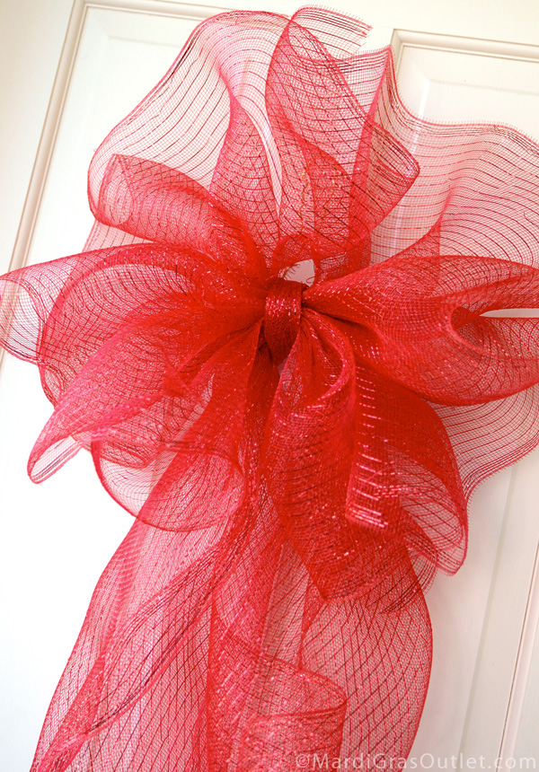 Party Ideas By Mardi Gras Outlet Making A Large Bow With Deco Mesh