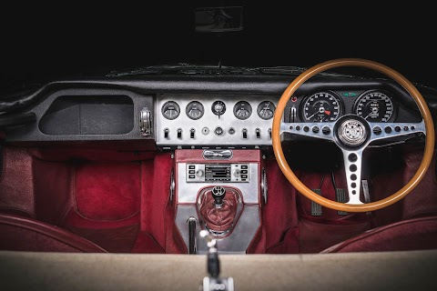 Classic Infotainment Systems by Jaguar | Land Rover
