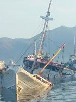 <b>Kapal Barang Kartika Express Alami Musibah Kebakaran di Pelabuhan Bima</b>