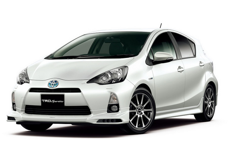 2013 Toyota Prius C or the Aqua launches in Japan