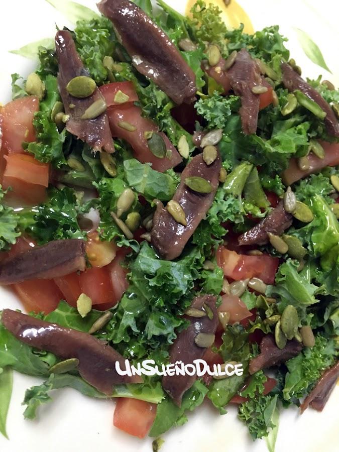 Ensalada de kale y anchoas