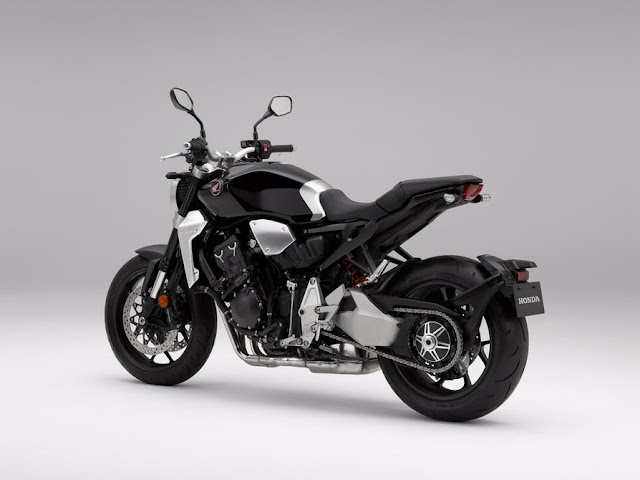 La Honda CB1000R 2018 tiene un basculante de un solo lado
