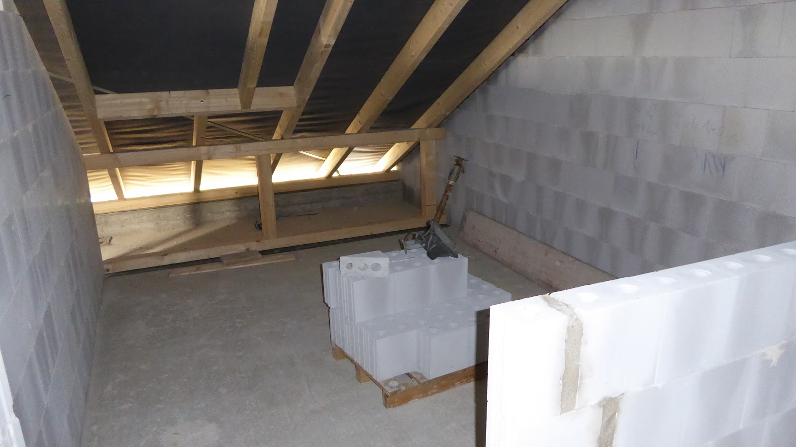 Extrem Wir bauen uns ein Haus: Mauern im Dachgeschoss ZA99