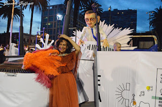 Divina Valeria. Desfile Inaugural del Carnaval. Revista Tabú.