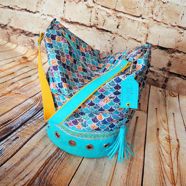 hobo, bucket bag, mermaid, turquoise, Bahama blue, Washpapa, waterproof polyester, tassel, charm, vegan leather, craft paper, Dylon, shoulder bag, vegan bag,
