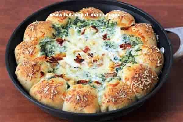 طريقة رائعة لبيتزا السبانخ والدجاج