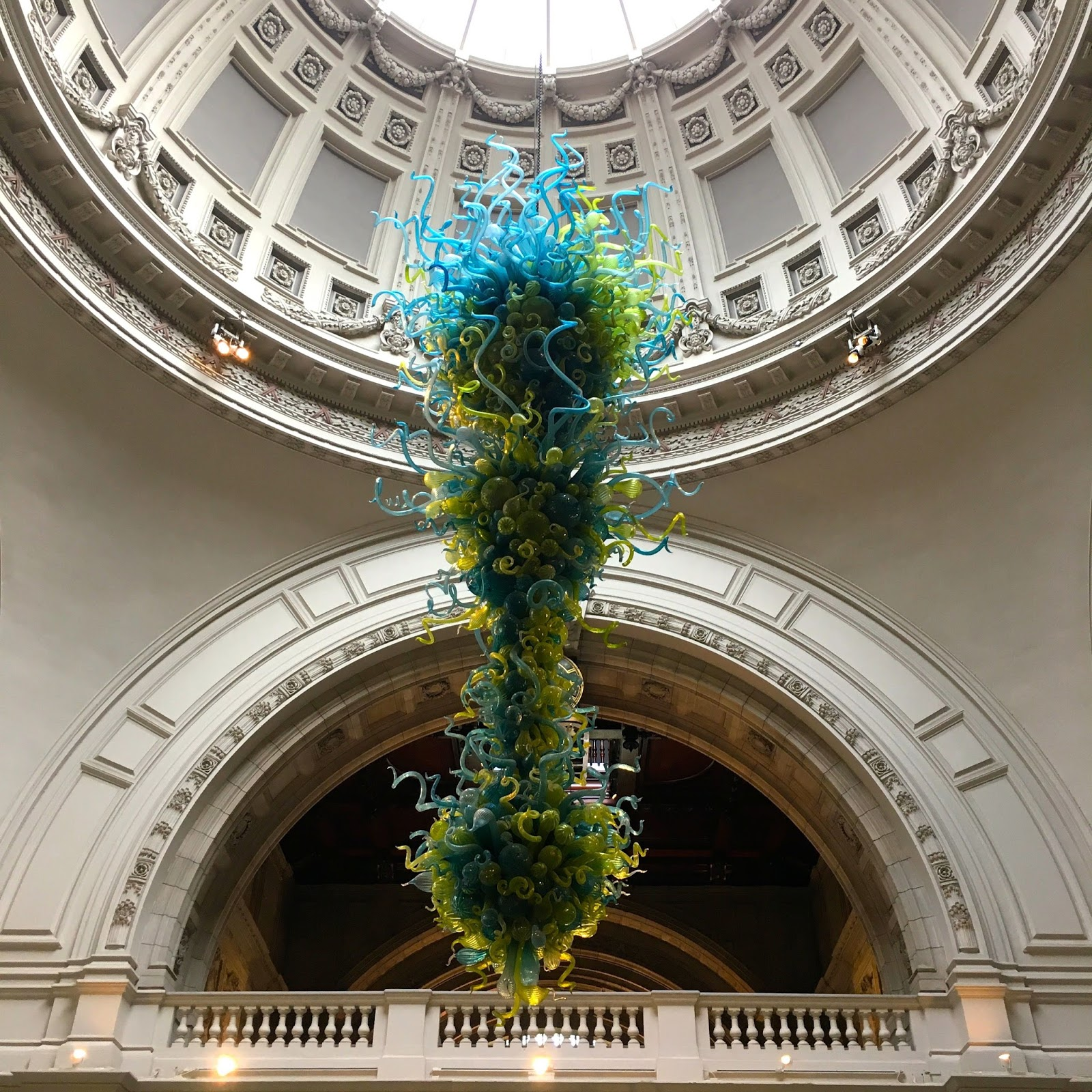 Victoria albert how does it all end the va chandelier by dale chihuly at the victoria albert museum arubaitofo Choice Image