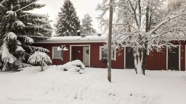 talo talvi lumi