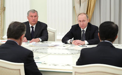 Vladimir Putin, Igor Sechin, business representatives