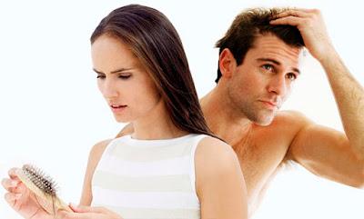 Τριχόπτωση εποχιακή: Ο φυσιολογικός κύκλος των μαλλιών και χρήσιμες οδηγίες για την περιποίηση τους